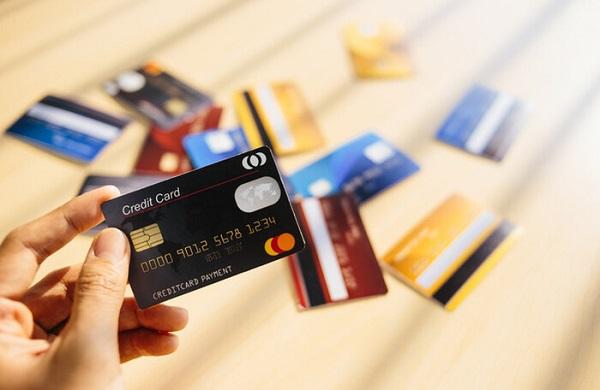 ưu nhược điểm thẻ tín dụng credit