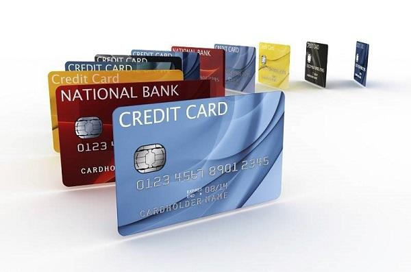 Tại sao cần đáo hạn thẻ tín dụng?