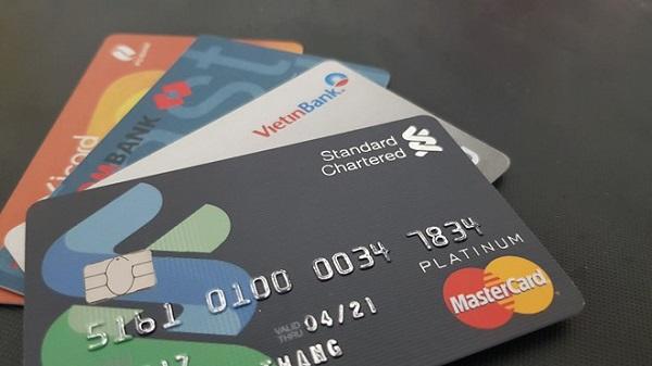 Làm thẻ tín dụng cần điều kiện gì?